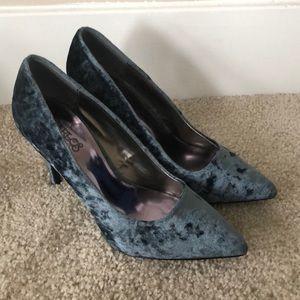 Size 8 faux velvet heels